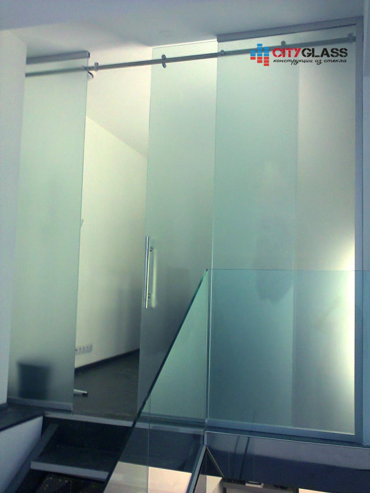 Галерея стеклянных душевых ограждений - D16