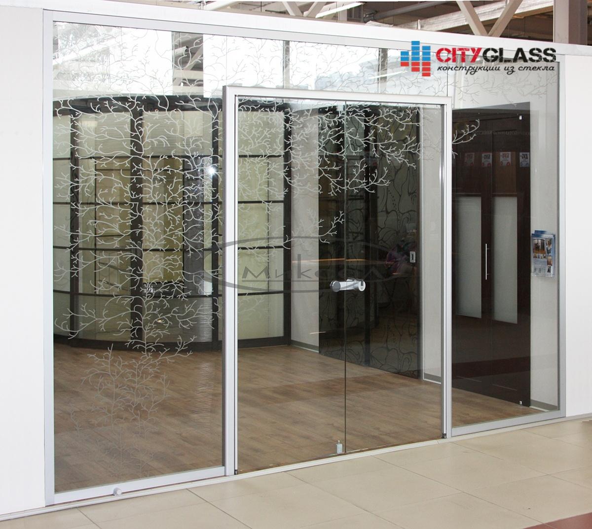 Галерея стеклянных душевых ограждений - D18
