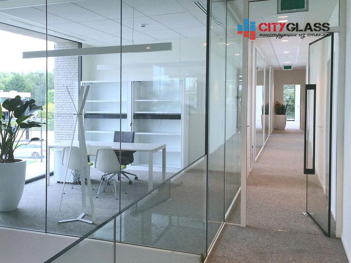 Галерея стеклянные двери на заказ - d36