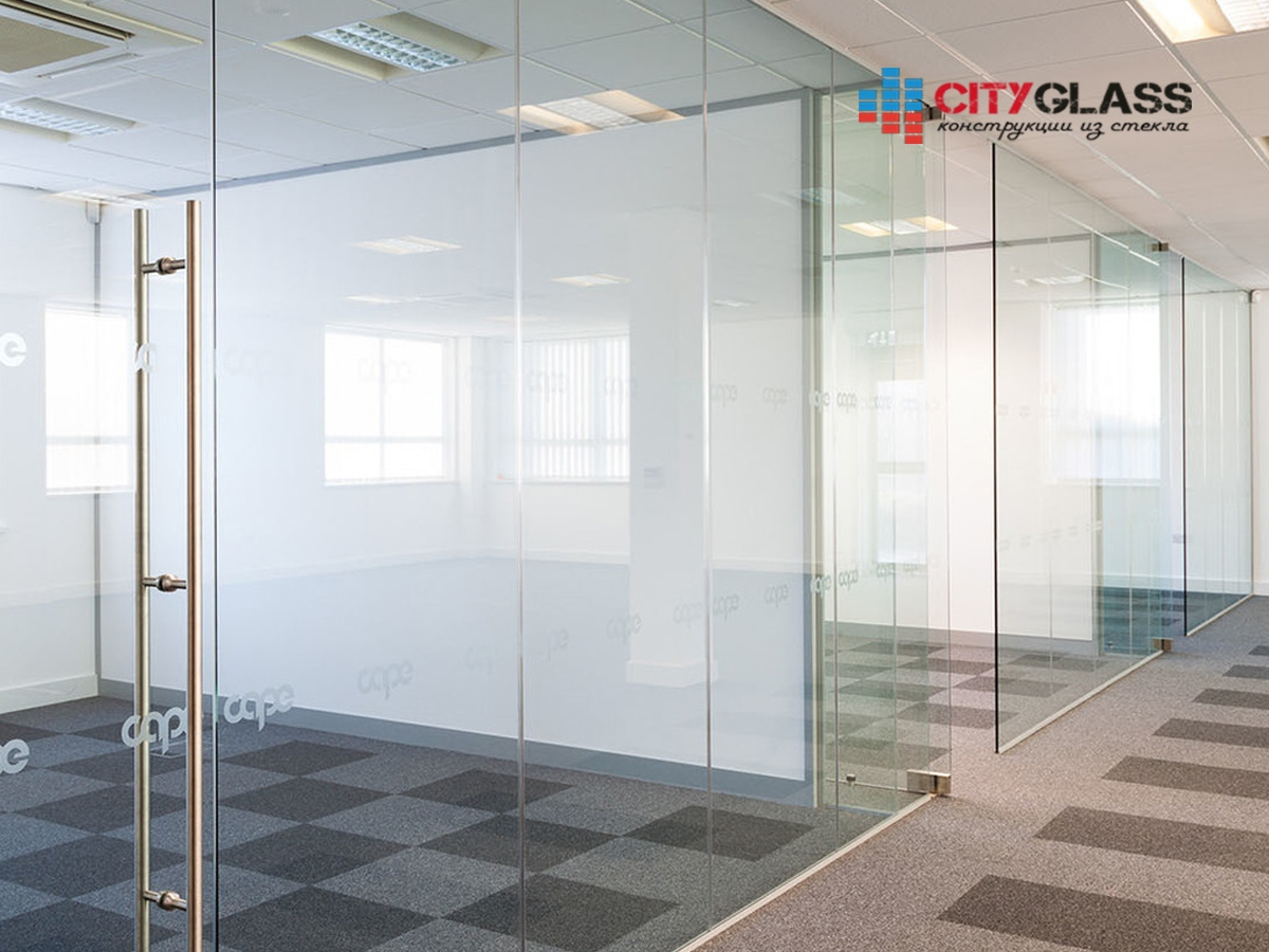 Галерея стеклянные двери на заказ - d38
