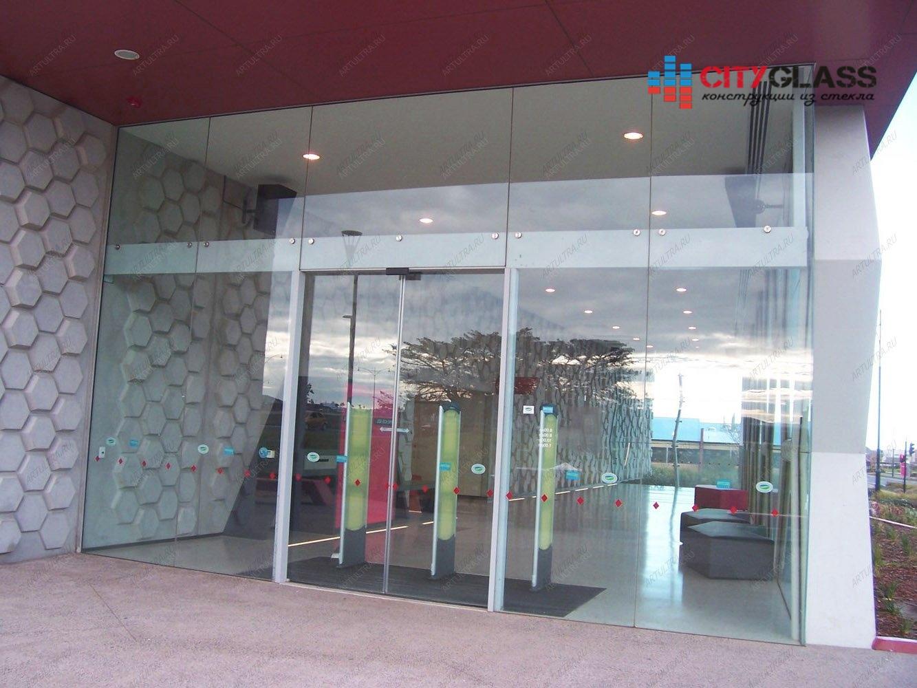 металлические двери для фасада торговых центров